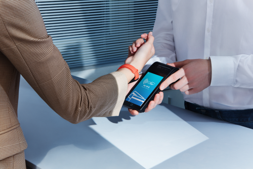 Xiaomi привезла в Россию Mi Smart Band 6 с NFC за 4 490 рублей